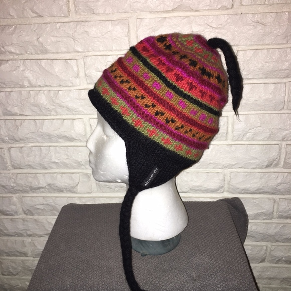 e2098316d Everest Designs Nepal Wool flap tassel hat